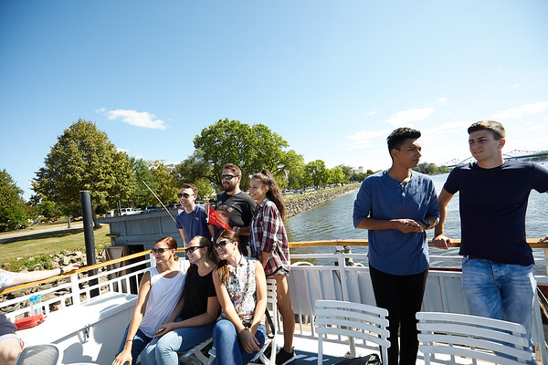 2019 UWL IEE Student La Crosse Queen Riverboat Tour 0003