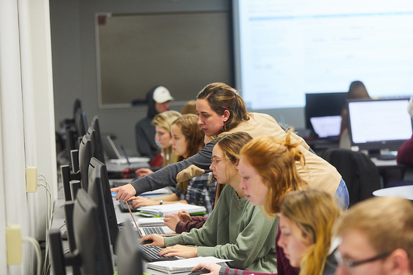 2019 UWL Murphy Library Students Classroom 0037