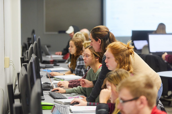 2019 UWL Murphy Library Students Classroom 0034