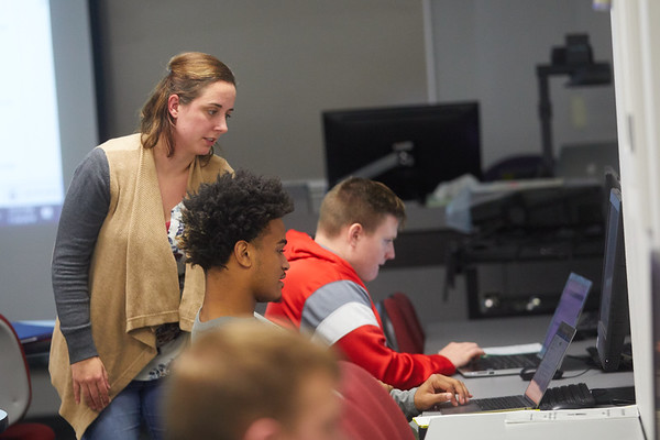 2019 UWL Murphy Library Students Classroom 0100