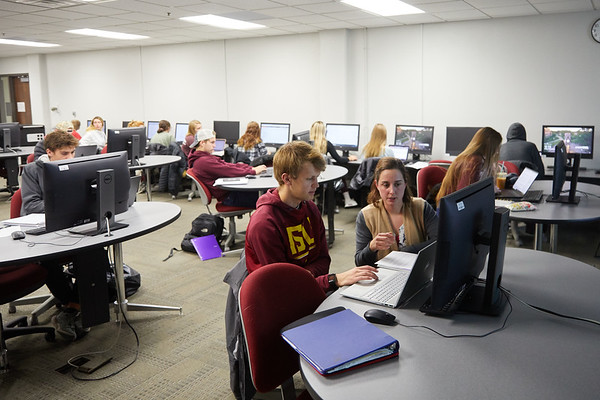 2019 UWL Murphy Library Students Classroom 0077