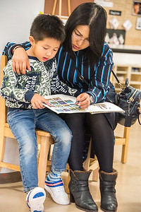 ELC Cuddle Up and Read-untitled shoot-YIS_9726-2018-19