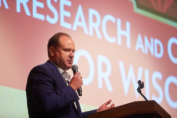 2019 UWL Greg Gard Garding Against Cancer Fundraiser 0285