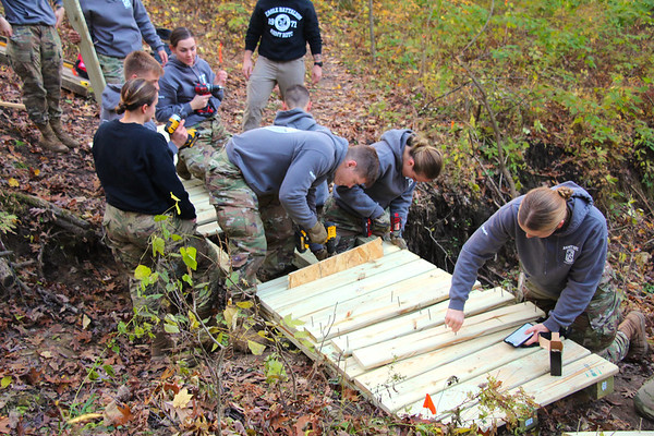 2019 UWL ROTC Students Bridge Build Hixon Forest 0010