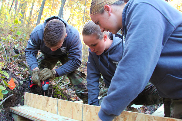 2019 UWL ROTC Students Bridge Build Hixon Forest 0008
