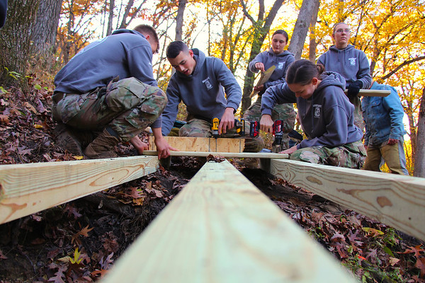 2019 UWL ROTC Students Bridge Build Hixon Forest 0009