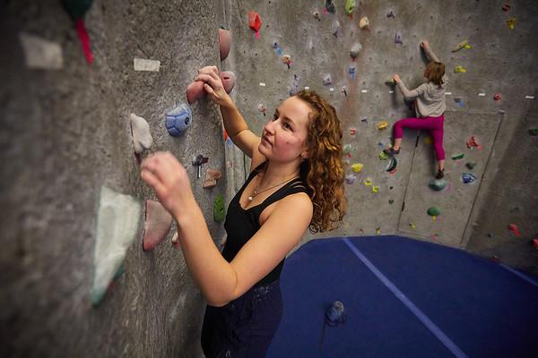 2020 UWL REC Women on the Wall Climbing Gym 0209