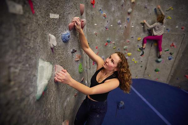 2020 UWL REC Women on the Wall Climbing Gym 0208