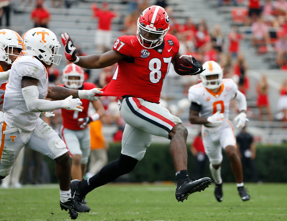 Georgia tight end Tre McKitty (87) during the Bulldogs' game with Tennessee in Athens, Ga., on Saturday, Oct. 10, 2020.. (Photo by Andrew Davis Tucker)