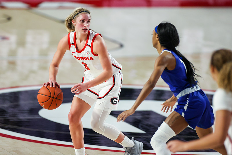 Georgia guard Sarah Ashlee Barker (3) during a game against Georgia State in Athens, Ga., at Stegeman Coliseum on Thurs., Dec. 17, 2020. (Photo by Chamberlain Smith)
