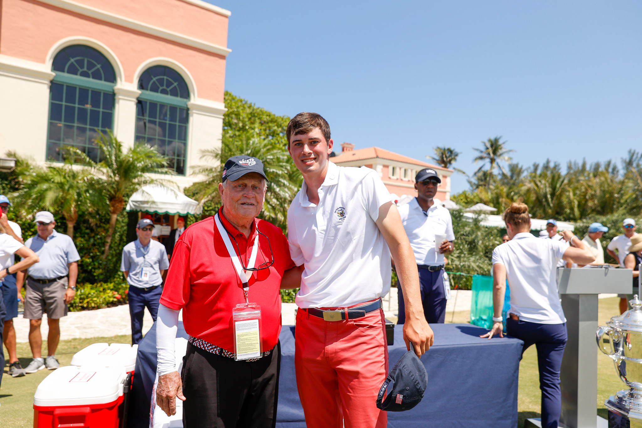 Jack Nicklaus and Davis Thompson pose for a photo on the first tee during Singles at the 2021 Walker Cup at Seminole Golf Club in Juno Beach, Fla. on Sunday, May 9, 2021. (Chris Keane/USGA)