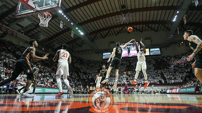 Isaiah Wilkins attempts a mid-range jumper. (Mark Umansky/TheKeyPlay.com)