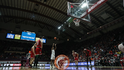 Landers Nolley shoots the first of two foul shots in the first half. (Mark Umansky/TheKeyPlay.com)