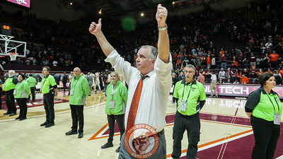Hokies head coach Mike Young thanks the crowd at the end of the game. (Mark Umansky/TheKeyPlay.com)