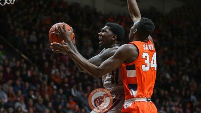 Tyrece Radford drives to the basket in the second half. (Mark Umansky/TheKeyPlay.com)