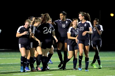 20191021 Ladies Soccer Solon v Twinsburg