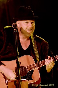 Neil Mac - Ryan Lindsay - Station 04-19 048