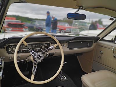 1966 Ford Mustang 289  - interior