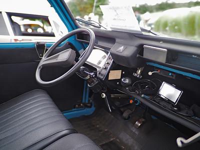 1967 Citroen 2CV - interior