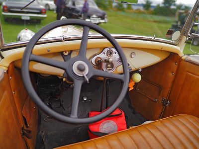 1930 Ford Model A Deluxe Roadster - interior