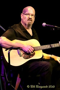 Paul Chapman - Susan Aglukark band - Festival Place 12-19  261