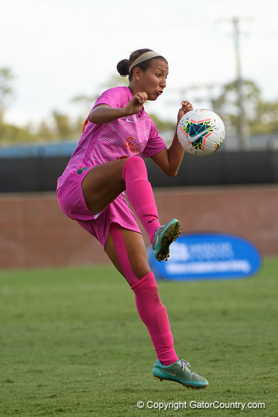 Florida Gators Vanessa Kara (27) as the Gators defeat the Kentucky Wildcats 4-2 at Donald R. Dizney Stadium in Gainesville, Florida on October 13th, 2019 (Photo by David Bowie/Gatorcountry)