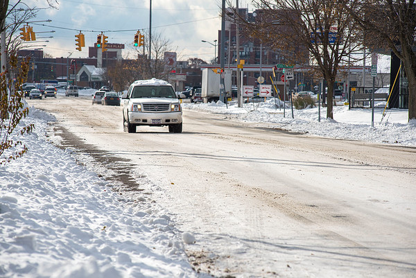 James Neiss/staff photographer <br /> Niagara Falls, NY - Drivers in Niagara Falls had to deal with slippery icy roads in places like this driver on Portage Road.
