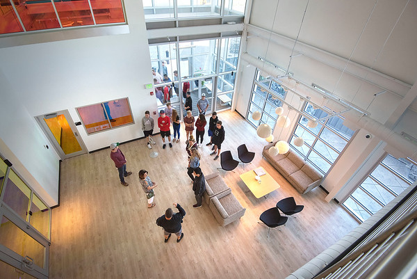 James Neiss/staff photographer <br /> Lockport, NY - A high school group take a tour of the Yahoo data center.