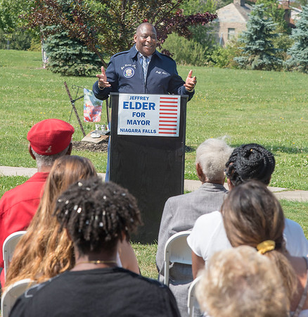 James Neiss/Staff Photographer<br /> Niagara Falls, NY - Niagara Falls resident Jeffrey Elder announced that he is running for Mayor of Niagara Falls during a press conference at Hyde Park.