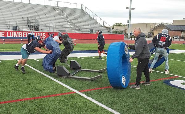 James Neiss/staff photographer <br /> North Tonawanda, NY - North Tonawanda High School football players practice hitting and tackling on Monday.