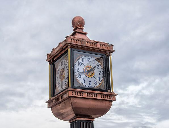 191212 Landmark Clock 6