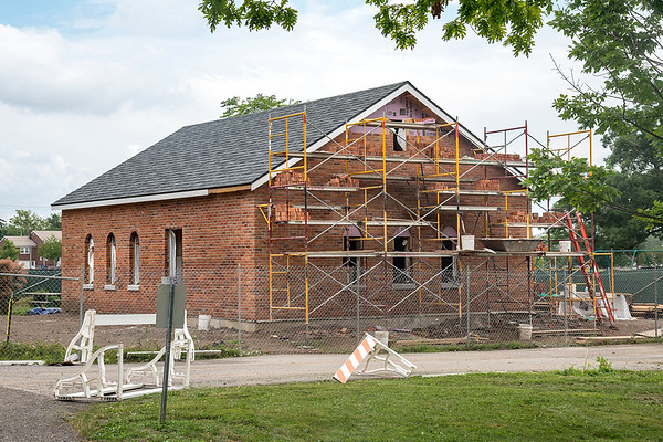 James Neiss/Staff Photographer<br /> Niagara Falls, NY - Deveaux Woods State Park comfort station is under construction using historic bricks.
