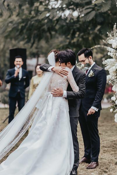 JWMarriott Ha Noi Intimate Wedding of Trang Hi well captured by Hipster Wedding Vietnam Wedding Photographer-4030