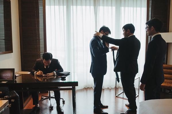 JWMarriott Ha Noi Intimate Wedding of Trang Hi well captured by Hipster Wedding Vietnam Wedding Photographer-0875