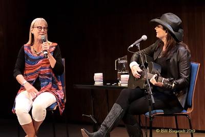 Jackie Rae & Terri Clark - CCMA plaque concert - NMC 05-19 401