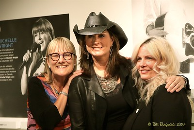 Jackie Rae, Terri Clark, Tracy Martin - CCMA plaque - NMC 05-19 214
