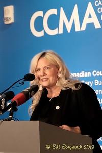 Tracy Martin - Pres CCMA - CCMA plaque - NMC 05-19 071