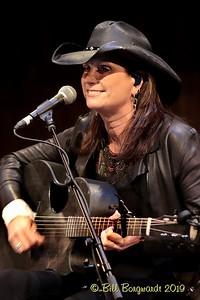 Terri Clark - CCMA plaque concert - NMC 05-19 385
