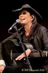 Terri Clark - CCMA plaque concert - NMC 05-19 321