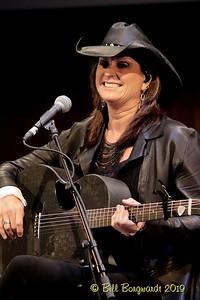 Terri Clark - CCMA plaque concert - NMC 05-19 271