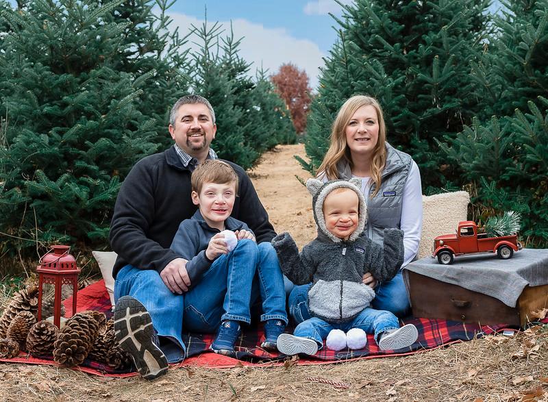 Krueger Family - Tree Farm 2019 (60) edit Ben