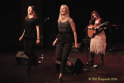 Ennis Sisters - McLab 10-19 315