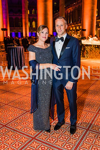 Cheryl Zimmer, Peter Zimmer,  Photo by Alfredo Flores. The Lab School of Washington's 35th Awards Gala. National Building Museum. November 14, 2019 .dngu2