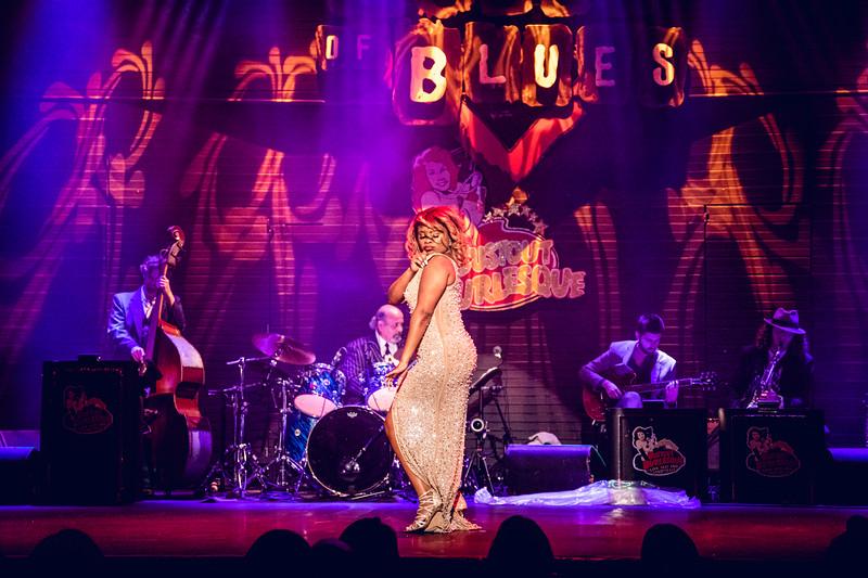 Queen Etouffante - Bustout Burlesque