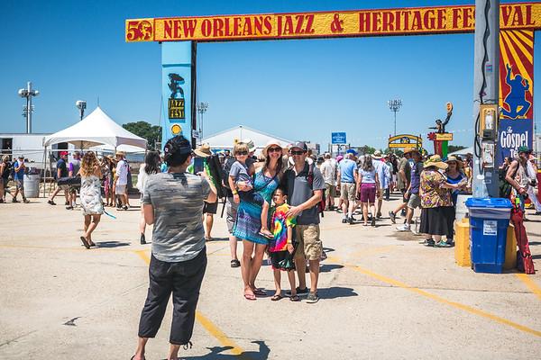 2019-TO-ATG-JazzFestArchway-84