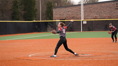 GWU Softball beats Hardford 12-4