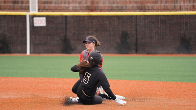 GWU Softball beats Oakland 5-1