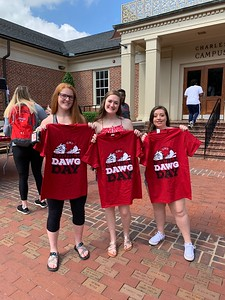 Students receive free T-shirts for Double Dawg Day!