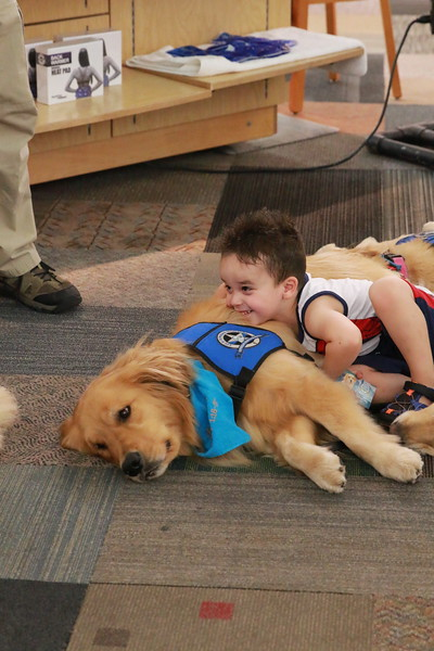 LCC K-9 Comfort Dog with Friend at Music City Mall
