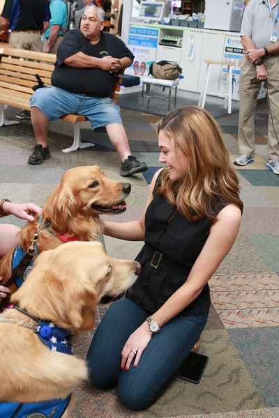 LCC K-9 Comfort Dogs with a Friend at Music City Mall